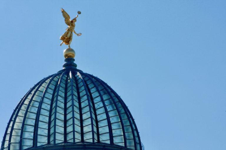 Titelbild auf webpixelkonsum Dresden Serienbild 9